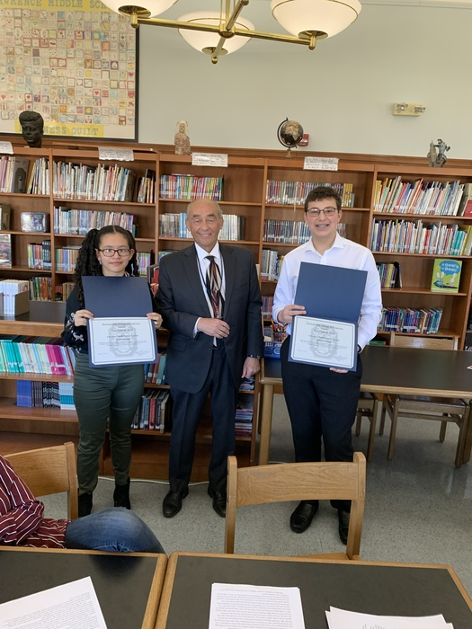 Mayor Edelman awarded students with certificates