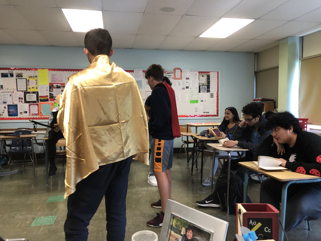 Me.Mastrangelo's class acting out a scene from Romeo and Juliet.