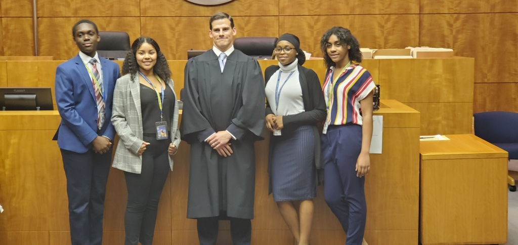 LHS students with Judge