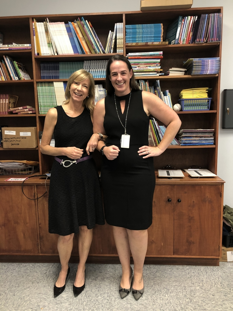 Mrs. Beach & Mrs. Beckmann celebrate Twin Day!