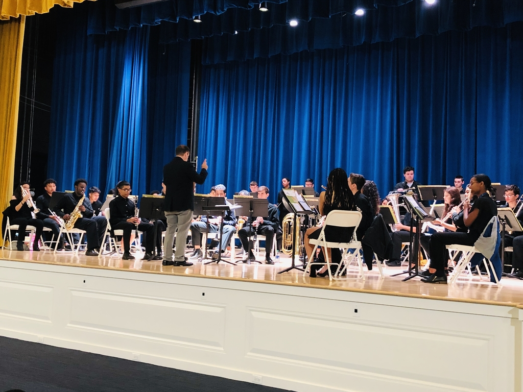 HS Wind Ensemble on the new stage